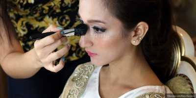 Belajar Make Up untuk Remaja