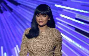 Kylie Jenner Rekrut Make Up Artist Lewat Instagram