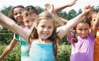 Cara Sederhana Bahagiakan Anak