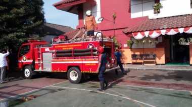 Kebakaran di SMPN 49 Diduga Akibat Korsleting Listrik