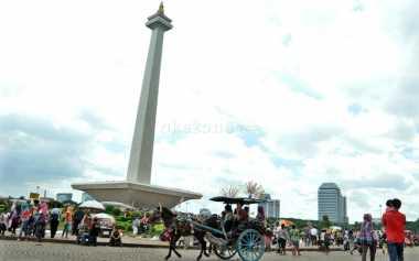 Monas Jadi Tujuan Utama Turis Luar Jakarta