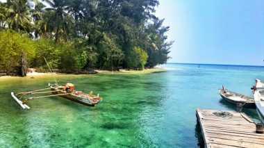 Berpetualang di Pulau Sangiang