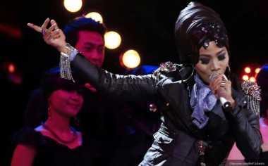 Desy Natalia 'X Factor' Tampil Beraksen Lace