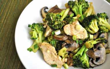 Santap Spesial dengan Tumis Gurih Brokoli
