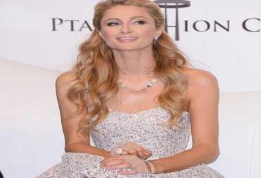 Pemadam Kebakaran Temukan Cincin Paris Hilton Seharga Rp4,9M