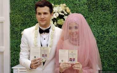 Suami Kecelakaan, Risty Tagor Masih Belum Jenguk