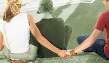 Kisah Cinta Istri Siri Satpol PP dengan Pemandu Karaoke