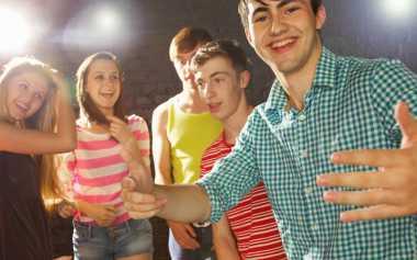 Pengalaman Dibanding-Bandingkan dengan Saudara saat Remaja