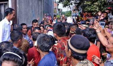 Pengamat: Jokowi Didik Rakyat Bermental Pengemis