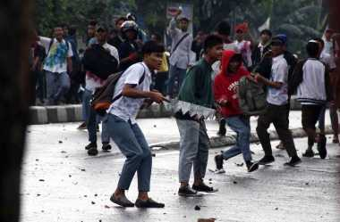 Lerai Tawuran, Polisi Nyaris Diamuk Ratusan Pelajar