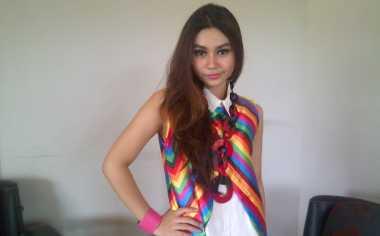 Biasa 'Bertarung', Erika Beralih Jadi Penyanyi Dangdut – Okezone