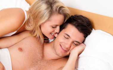 Metode Unik agar Ciuman Makin Hot