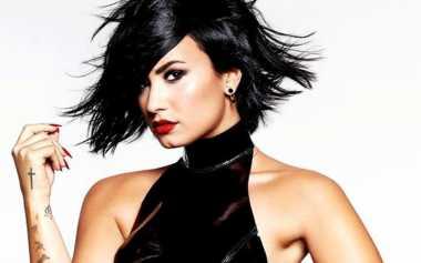 Demi Lovato Rilis Foto-Foto Tanpa Busana