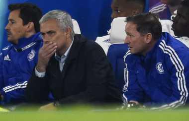 Manajemen Chelsea Mulai Bahas Nasib Mourinho