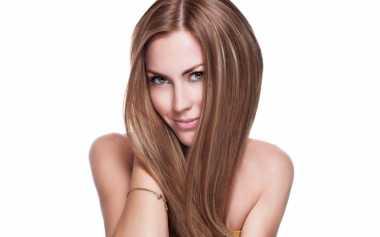 Trendi dengan Model Rambut Belah Tengah