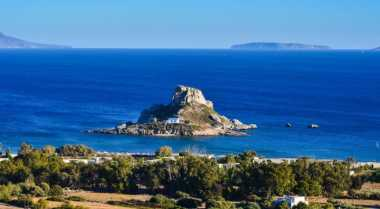 Pulau di Yunani Bakal Dibeli Angelina Jolie