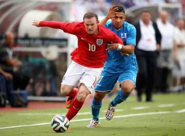 Rooney Sebut Capello Tak Membuat Kariernya Lebih Baik