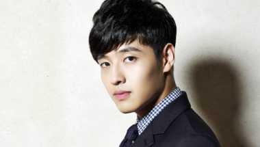Kang Ha Neul Kenang Mabuk Bareng Joo Won