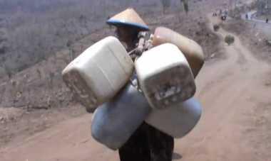 Warga Lereng Gunung Anjasmoro Krisis Air