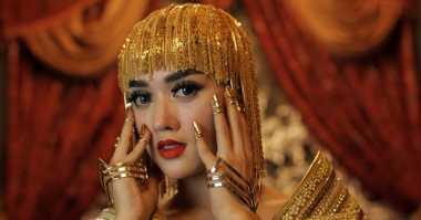 Intip Video Klip Mahal Hiara Cleopatra