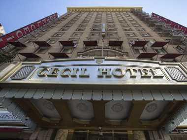 Hah Lady Gaga Berburu Hantu di Hotel?