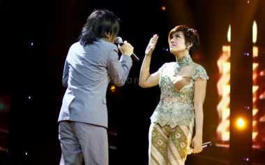 Keluarga Sambut Kedatangan Anak Alex Rudiart-Novita Dewi