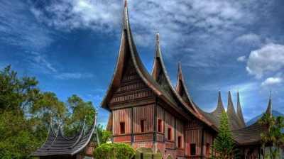 Kabut Asap 'Hancurkan' Pariwisata Sumatera Barat