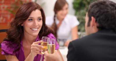Obrolan Pengalih Kecanggungan saat Kencan