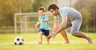 Tips Menjadi Ayah Idola bagi Anak