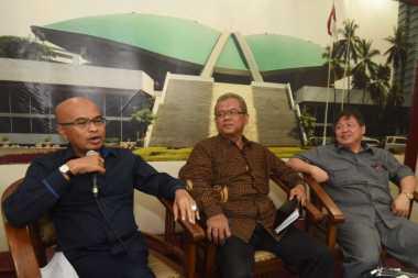 Desmond: Isu Spanduk Bukti Megawati Lebih Berkuasa Ketimbang Jokowi
