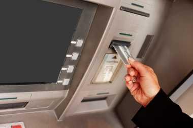 Modus Penipuan Baru, Kartu ATM Tertelan Saldo Lenyap