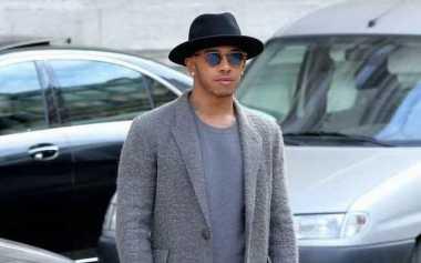 Lewis Hamilton Seriusi Dunia Fesyen?