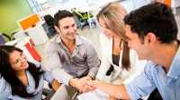 Tujuh Trik Bergaul dengan Rekan Kerja di Kantor Baru