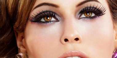 Tips Aplikasikan Eyeshadow untuk si Mata Kecil