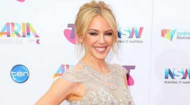 Cantiknya Kylie Minogue di Red Carpet