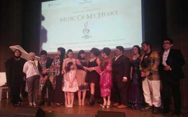 Gaya Cantik Para Penyanyi Music of My Heart