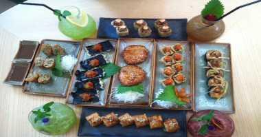 Nikmati Sushi dengan Sambal Bajak Cuma di Sini