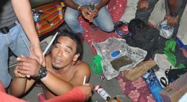 Pria Bertato Pengedar Sabu Menangis di Hadapan Polisi