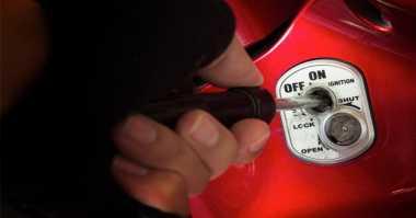 Asyik di Warnet, Motor Debt Collector Digasak Maling