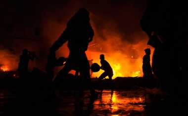 Pasar Baru Sukodadi Terbakar Puluhan Kios Ludes