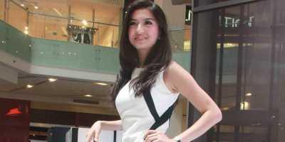 Raline Shah Lebih Nge-Fans pada Desainer Indonesia