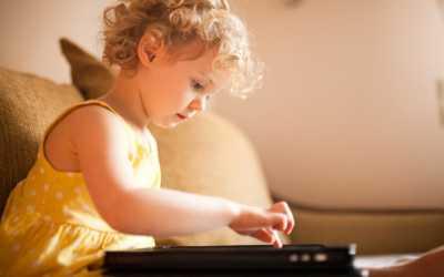 Kecemasan Orangtua saat Balita Kecanduan Gadget