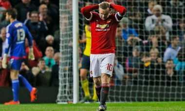 Pegulat WWE Ancam Hajar Roy Keane karena Kritik Rooney