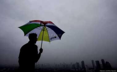 Hujan Diprediksi Guyur Jabodetabek Siang & Malam