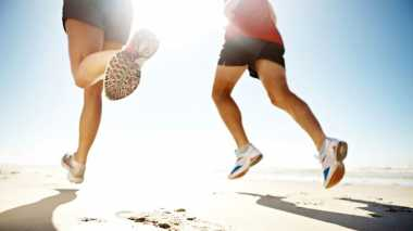 Atlet Ramaikan Lari Keliling Candi