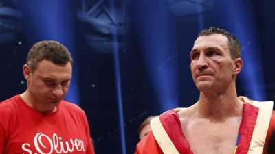 Komentar Vitali Klitschko Usai sang Adik Dipecundangi Tyson