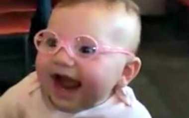 Cacat Bawaan, Bayi 10 Bulan Ini Pakai Kacamata
