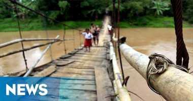 Jembatan Gantung Ambruk di Demak, 50 Warga Terluka