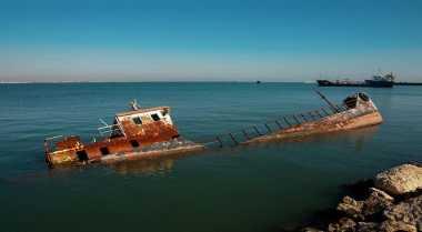 Kapal Perintis Pengangkut Logistik Pilkada Kecelakaan