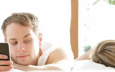 Pasangan Berubah? Kenali Sinyal Perselingkuhan